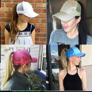 Specific hole for women's ponytail baseball hats